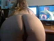 Blond BBW with delicous butt tributing my masturbation video